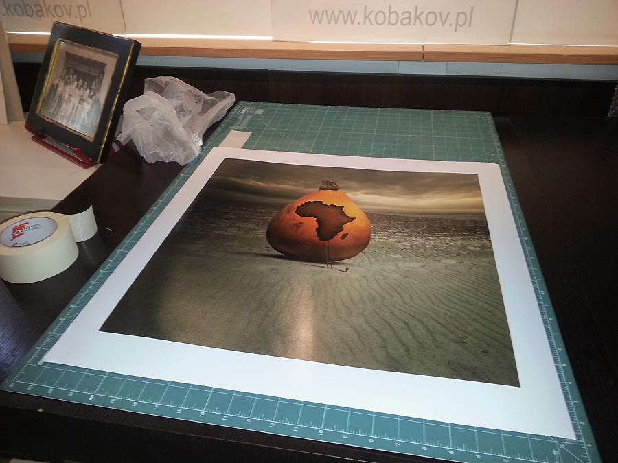 wystawa zdjęć, fotomontaż - wydruk fine art na papierze epson traditional
